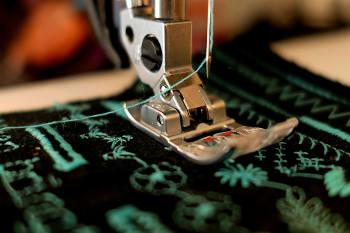 Wie funktioniert eine Nähmaschine?